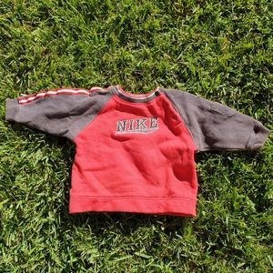 Nike Baby toddler size 12 months 0 jumper
